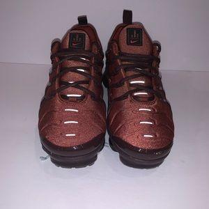 Nike Shoes - Nike Air Vapormax  Plus Size 9